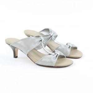 Donald J. Pliner Randi Kitten Heel Silver Bow Sz 8